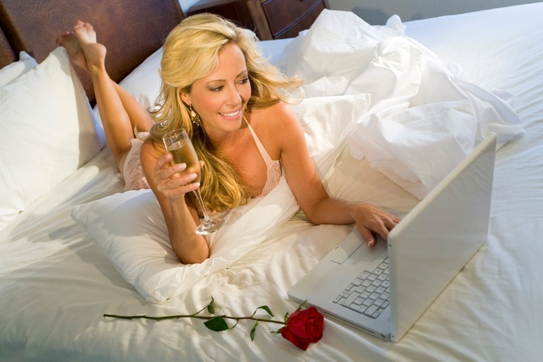 hookup dating scams