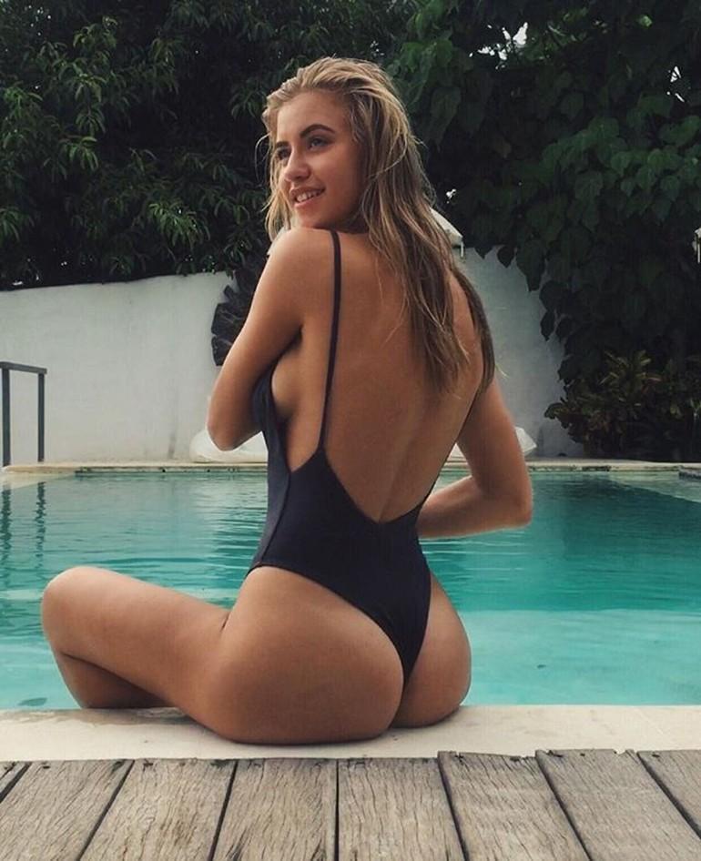 Model nana