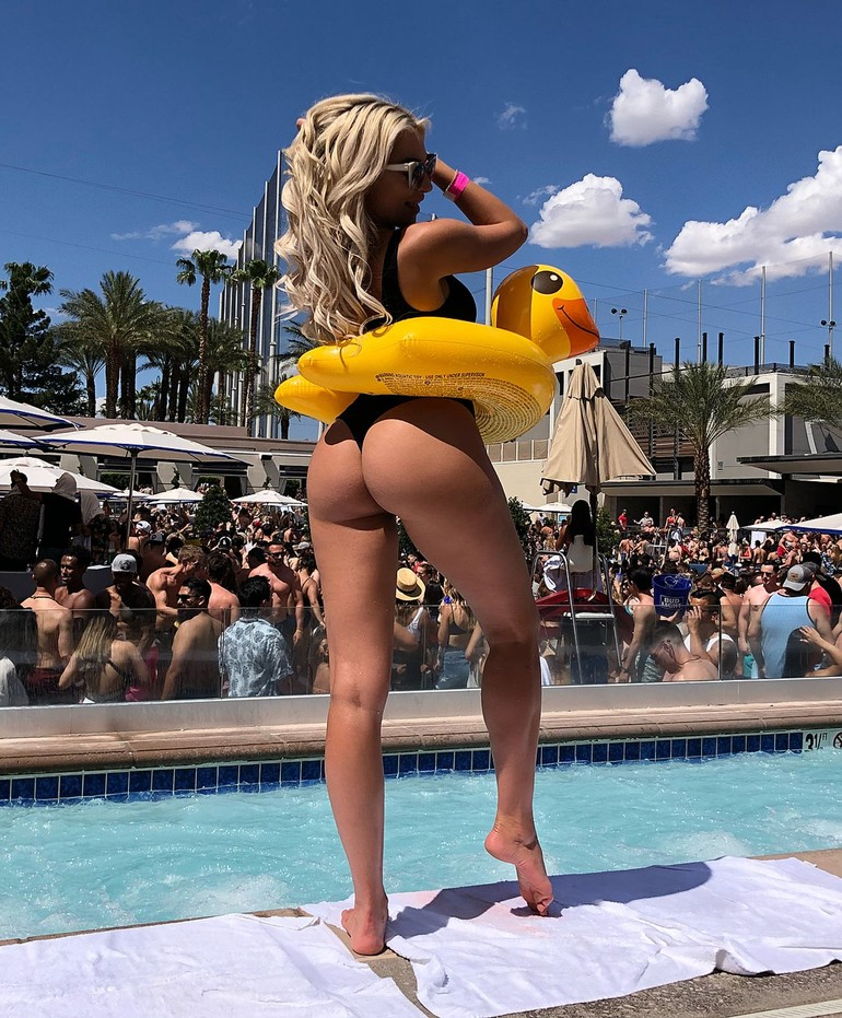 khloe terae hot pictures